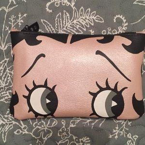 Betty snoop Ipsy Bag - Must Bundle